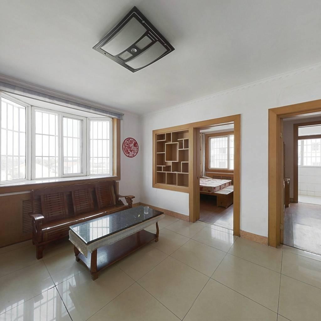 古城小区三室两厅一厨一卫双室朝阳4楼精装房79平