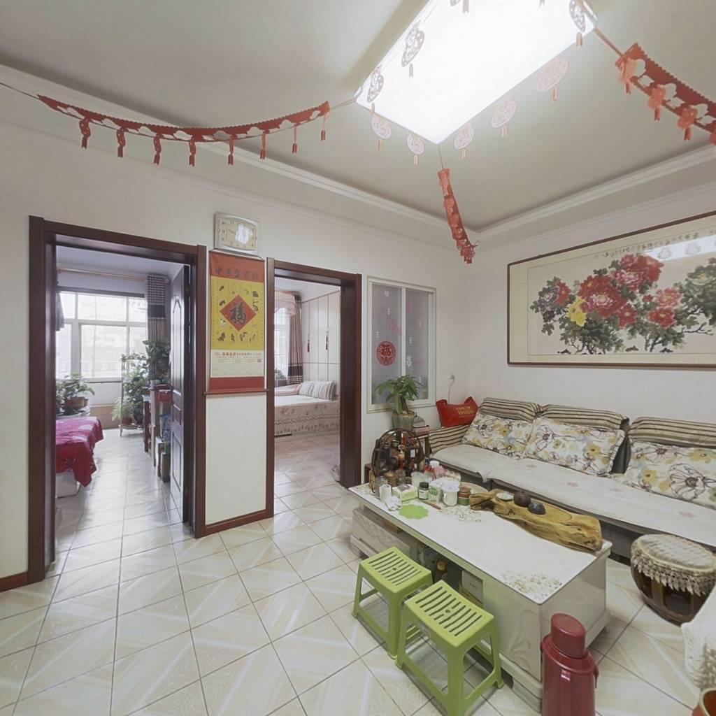 中古城小区三室一厅一厨一卫2楼精装修80平