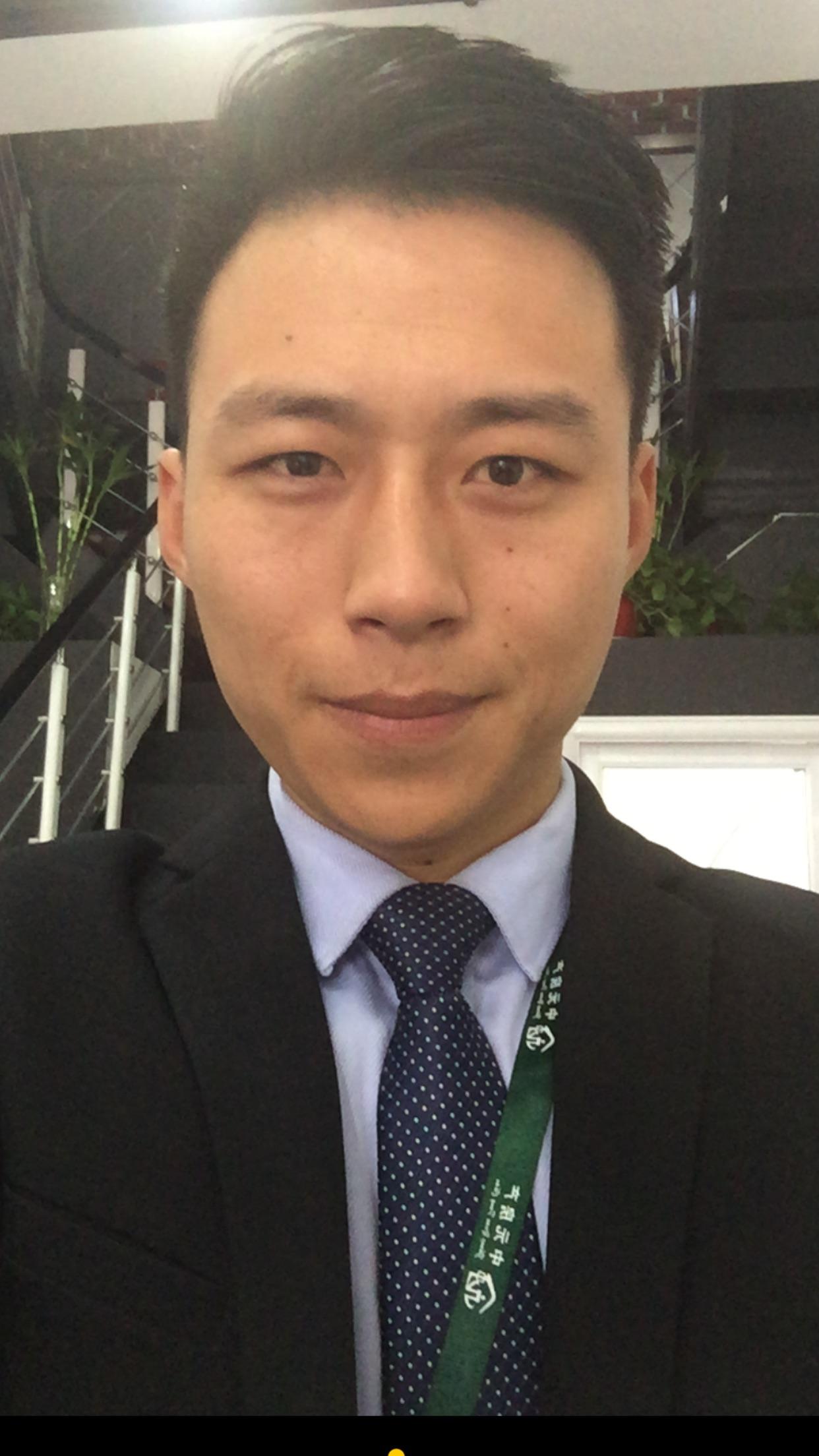 【帅男秀场】徐光明 27岁 天秤座 房产经纪人图片