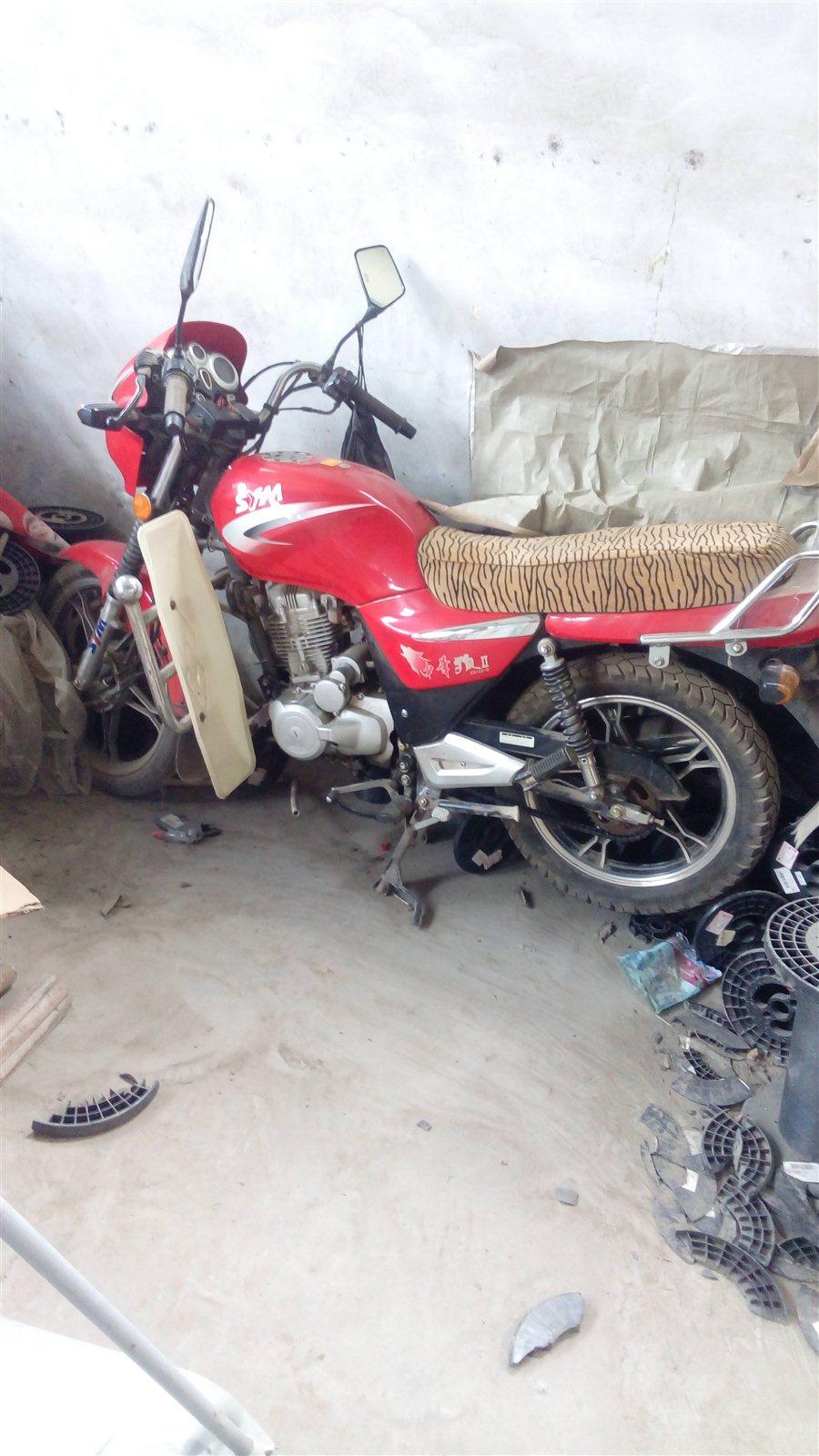 出售中华狼摩托车