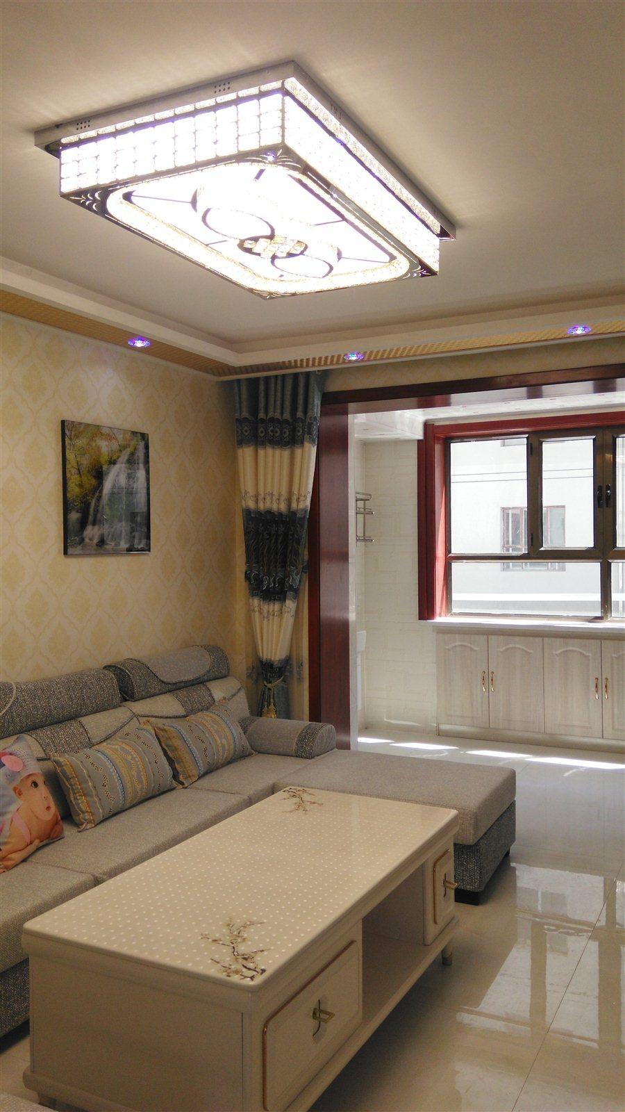 专暑街3室 2厅 1卫47.8万元