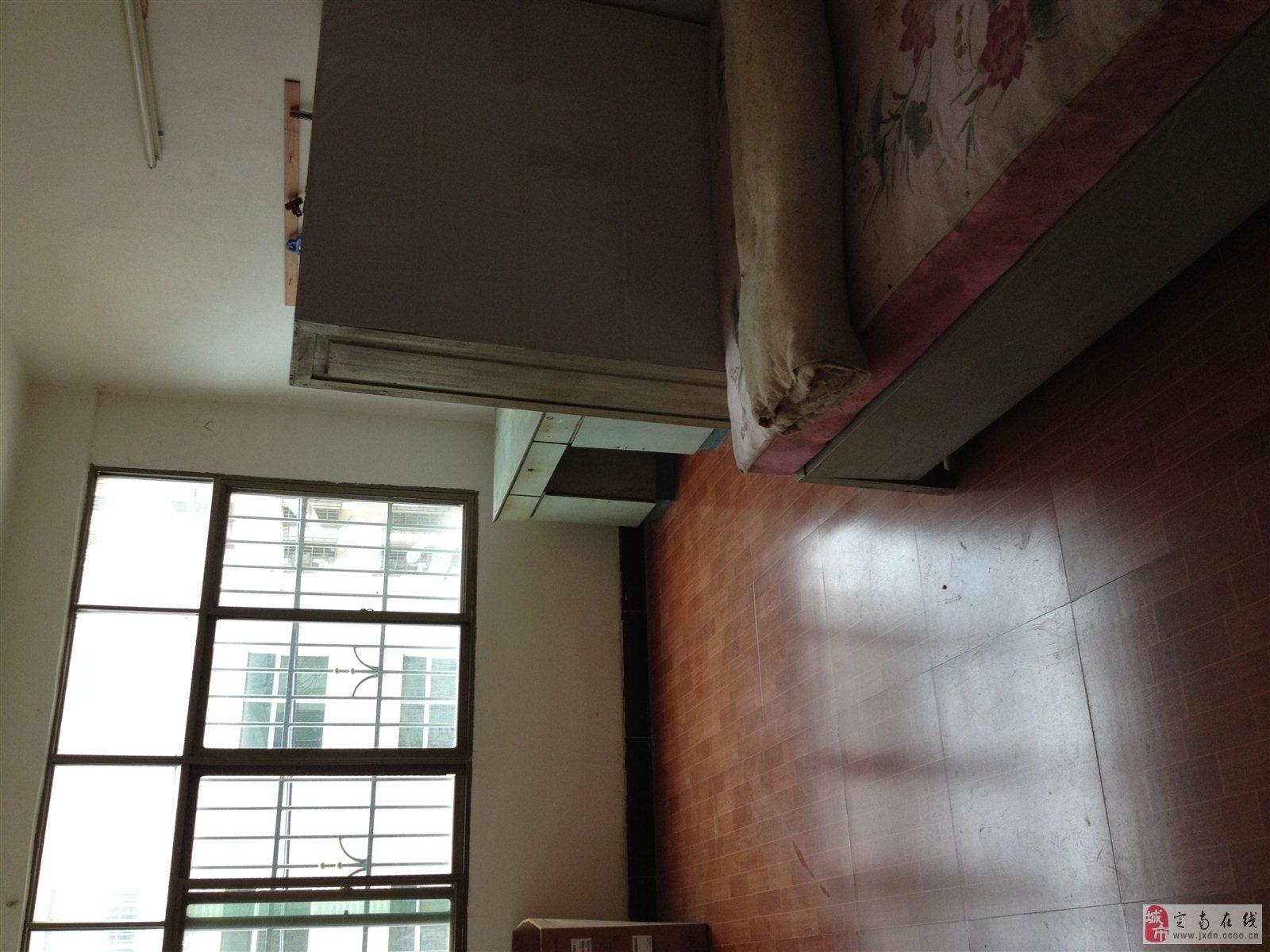 三层半楼房两间两房外表设计图