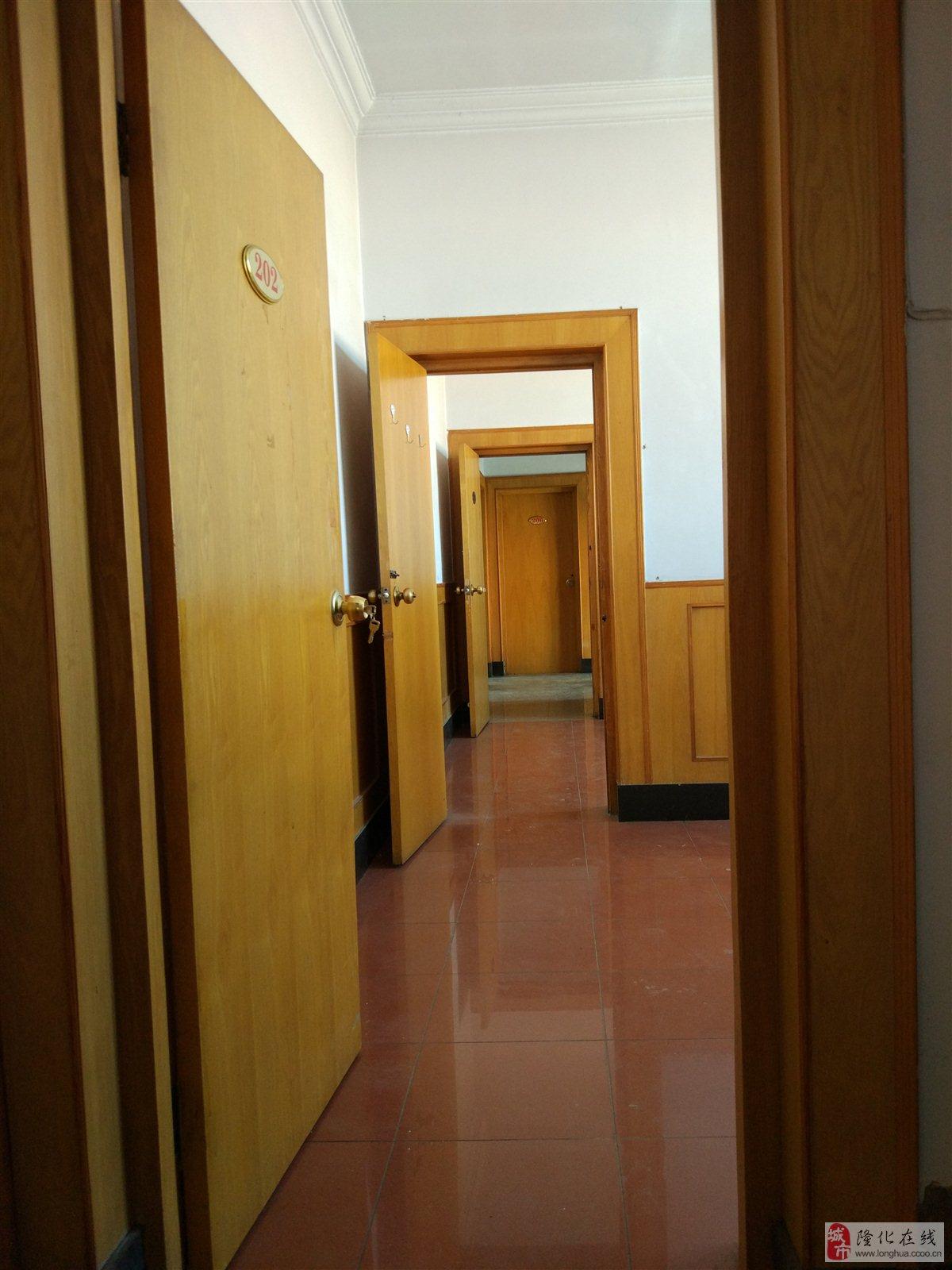 三层楼房500平米院子200平米整套出租