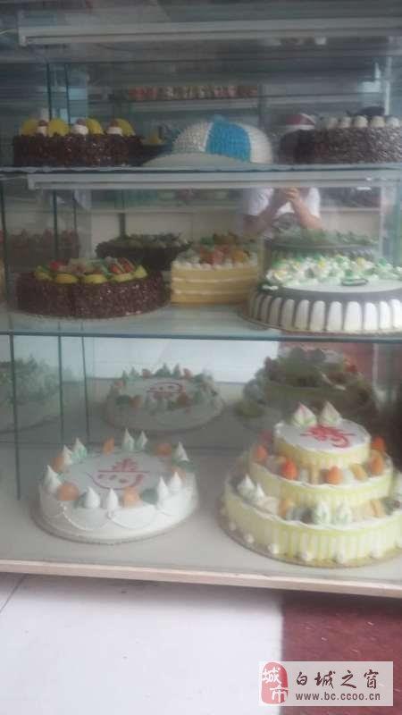 蛋糕模型和展示柜