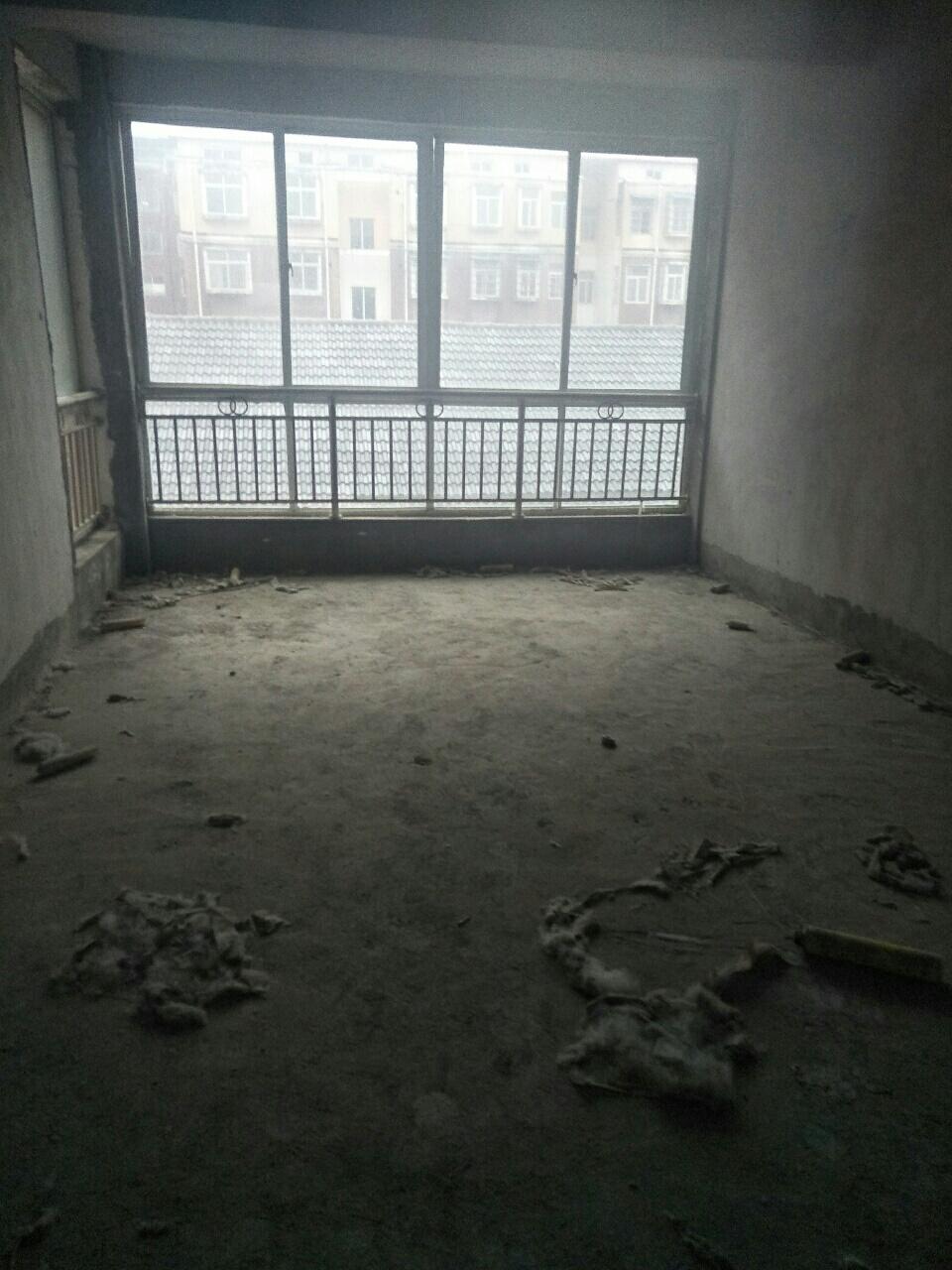 文化藝術中心西側3室2廳1衛62萬元有證可按揭
