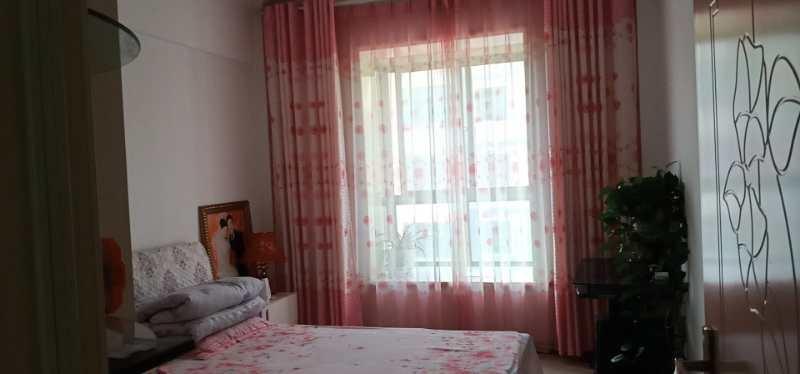 春茂·颐馨园5楼精装修3室2厅2卫80万元
