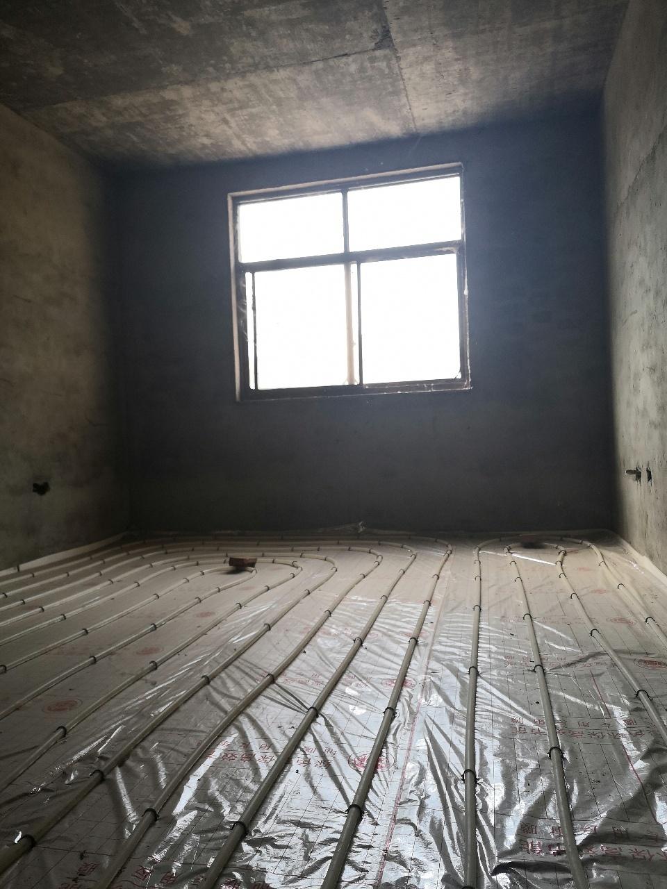 健康新城3室2廳1衛60萬元帶車庫有證