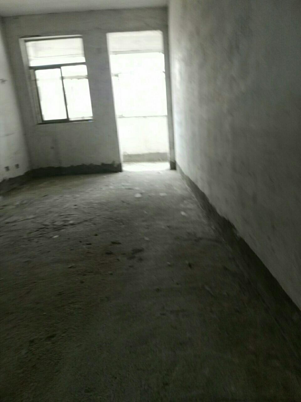 一高附近小区3室1厅1卫56万元有证可按揭