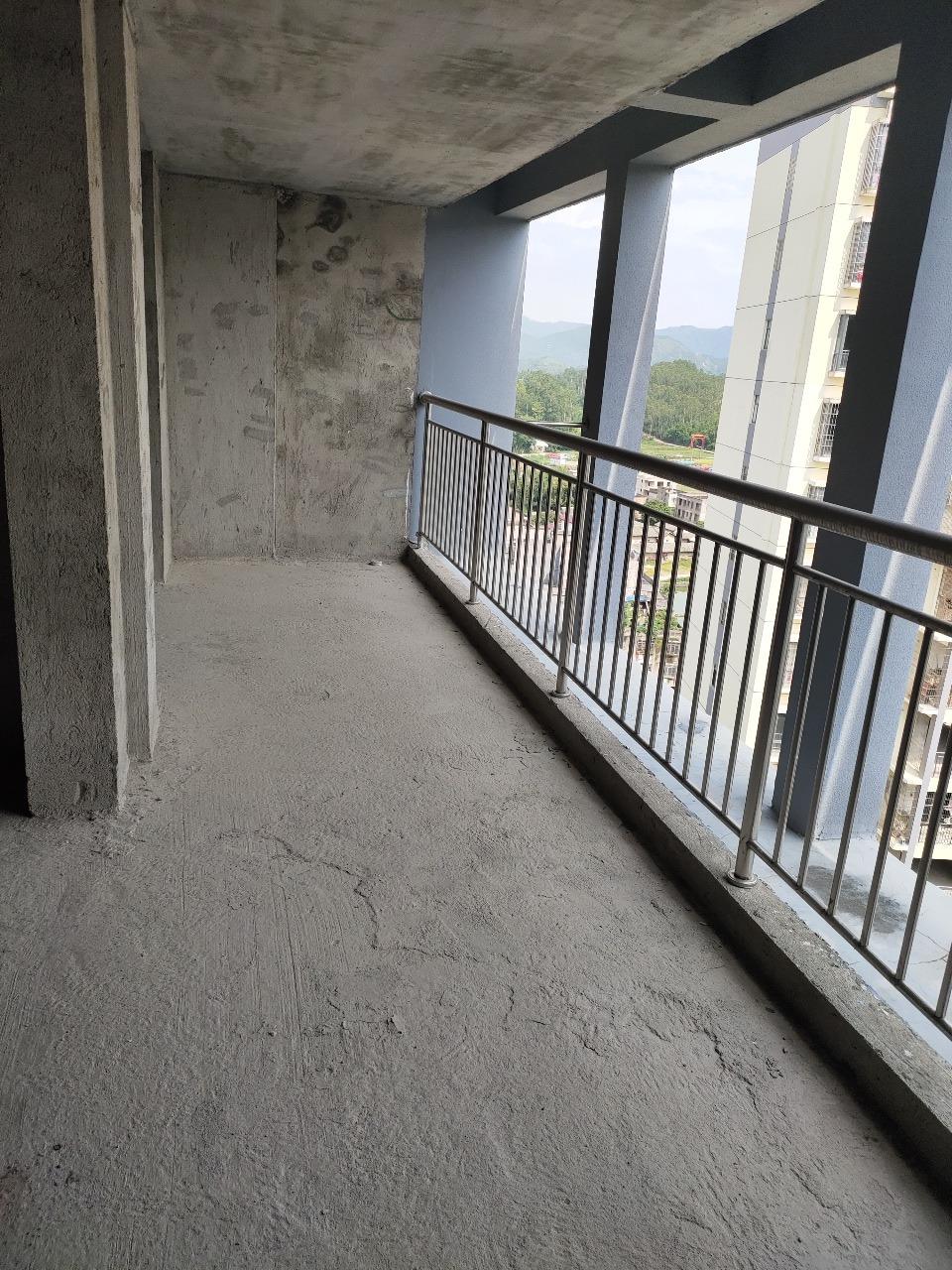陆川县鸣大广场3室2厅2卫41万元