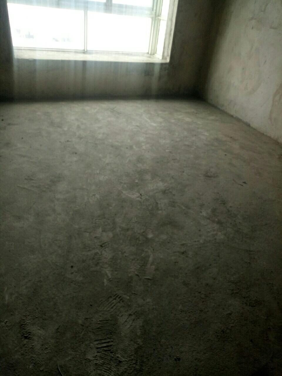 政府附近4室2廳2衛49.8萬元