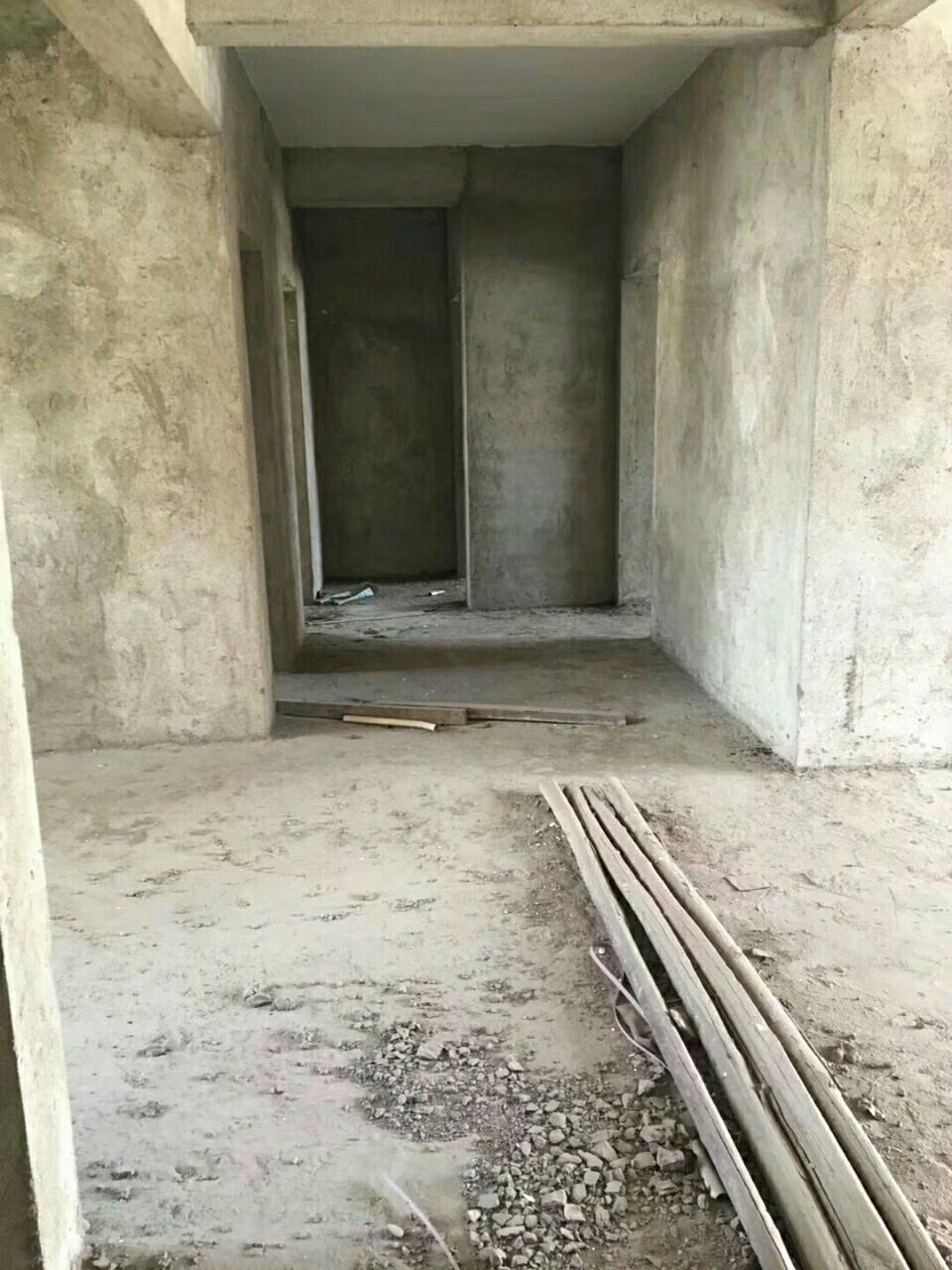 希望小学学区房谷山花园电梯房大三房69.8万急售