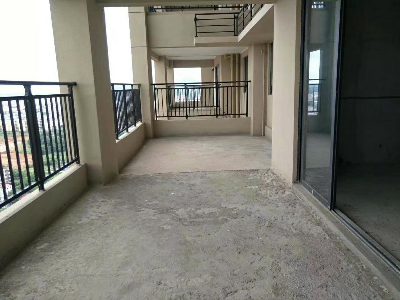 碧桂園,276平米,大氣五房,全新毛坯,低價急售