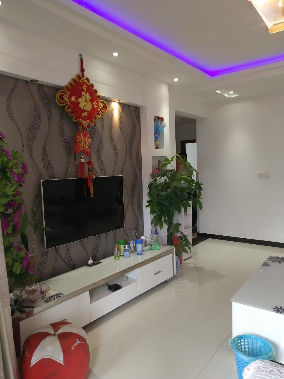 阳光花园113平米精装3室2厅2卫63.8万元