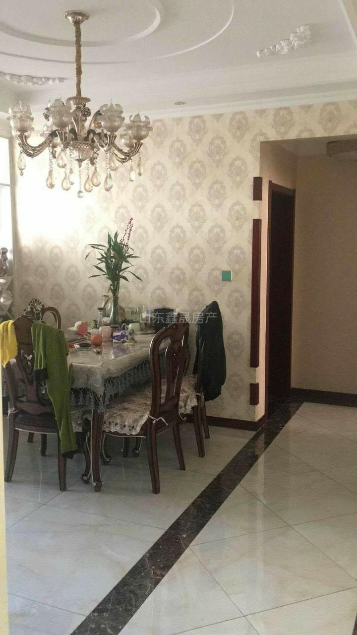 渤海公寓140平3室2厅1卫带大车库133万元