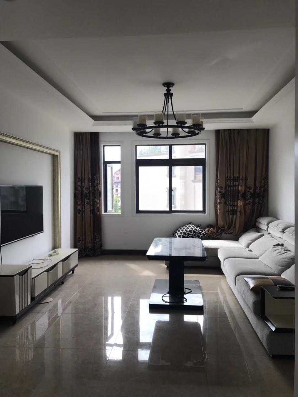 嘉华城精装4室2厅2卫78.8万元