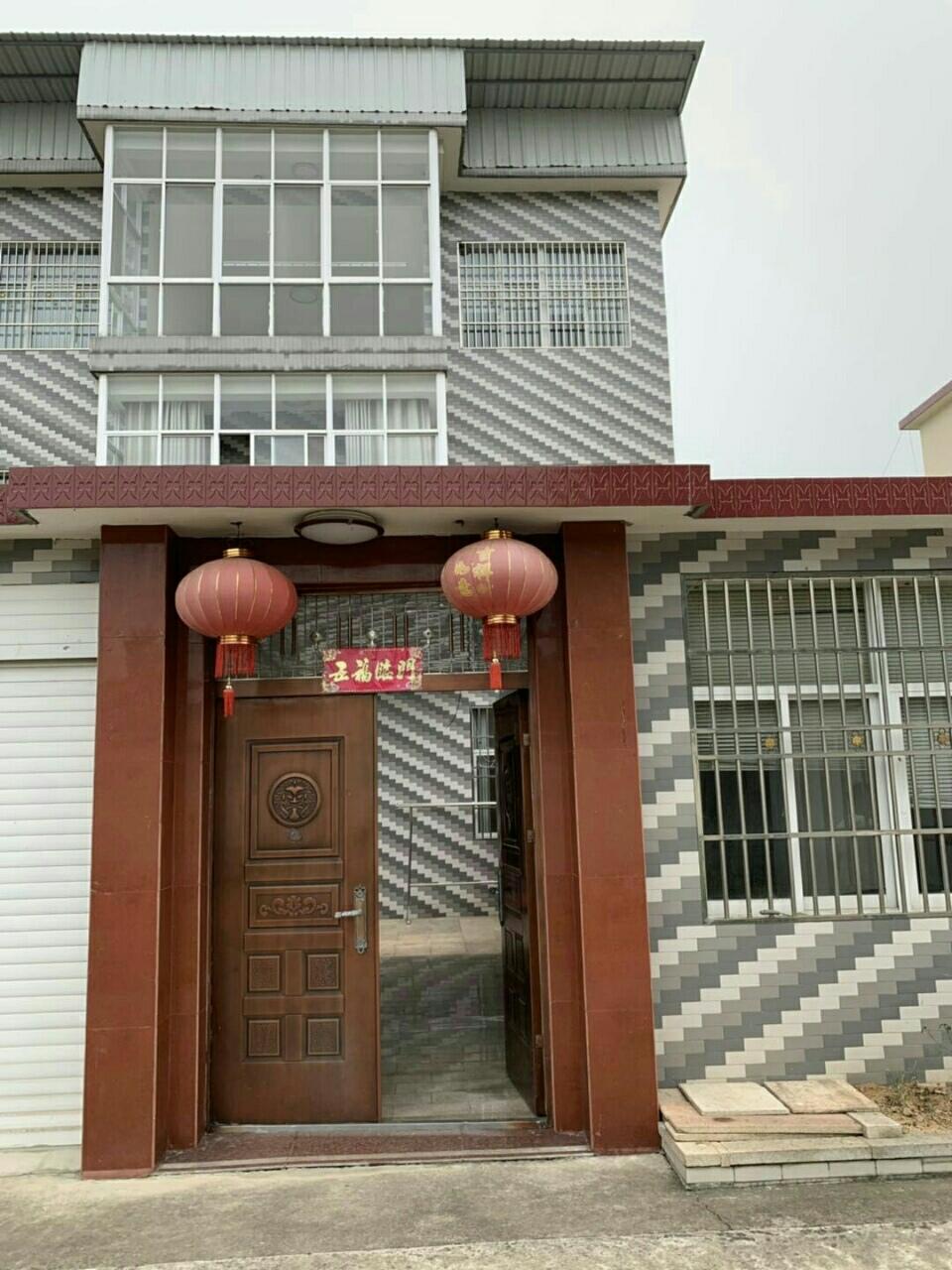時代商貿城5室3廳3衛146萬元