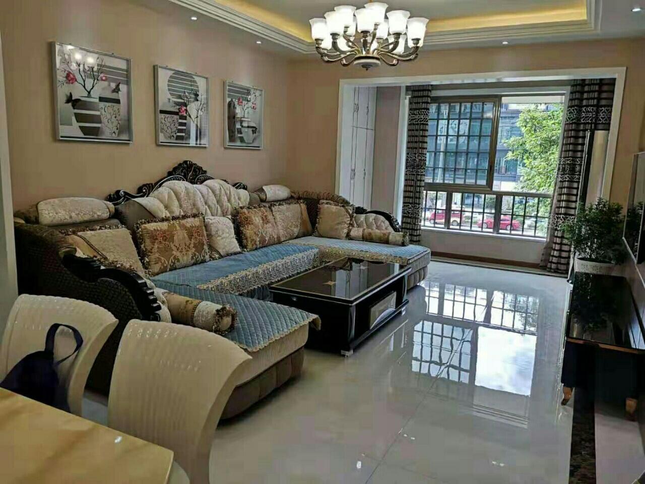 富顺西城国际带大平台花园3室2厅2卫93万元