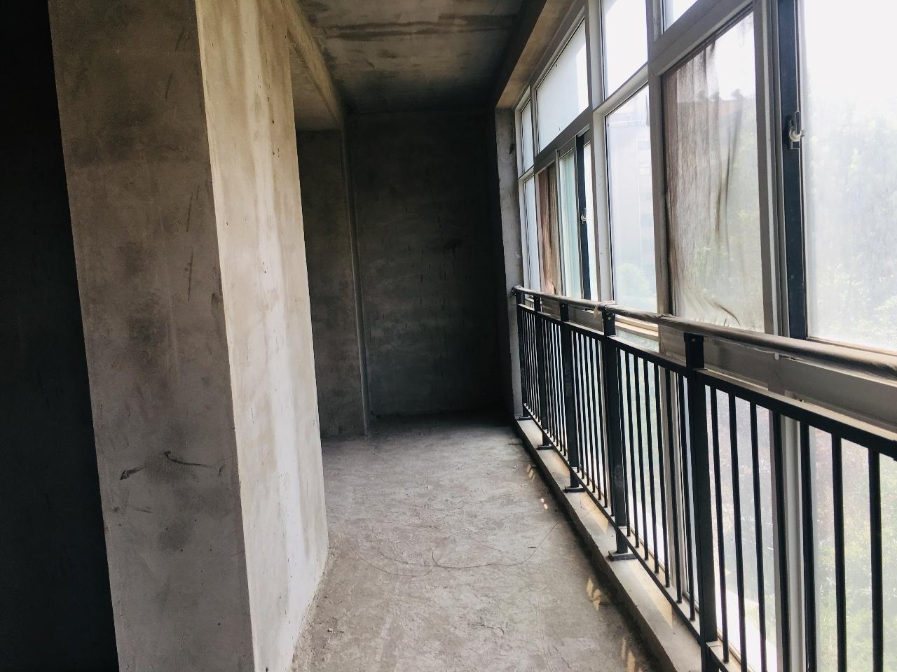 滑县清华园3室2厅2卫百变毛坯南北通透大三居