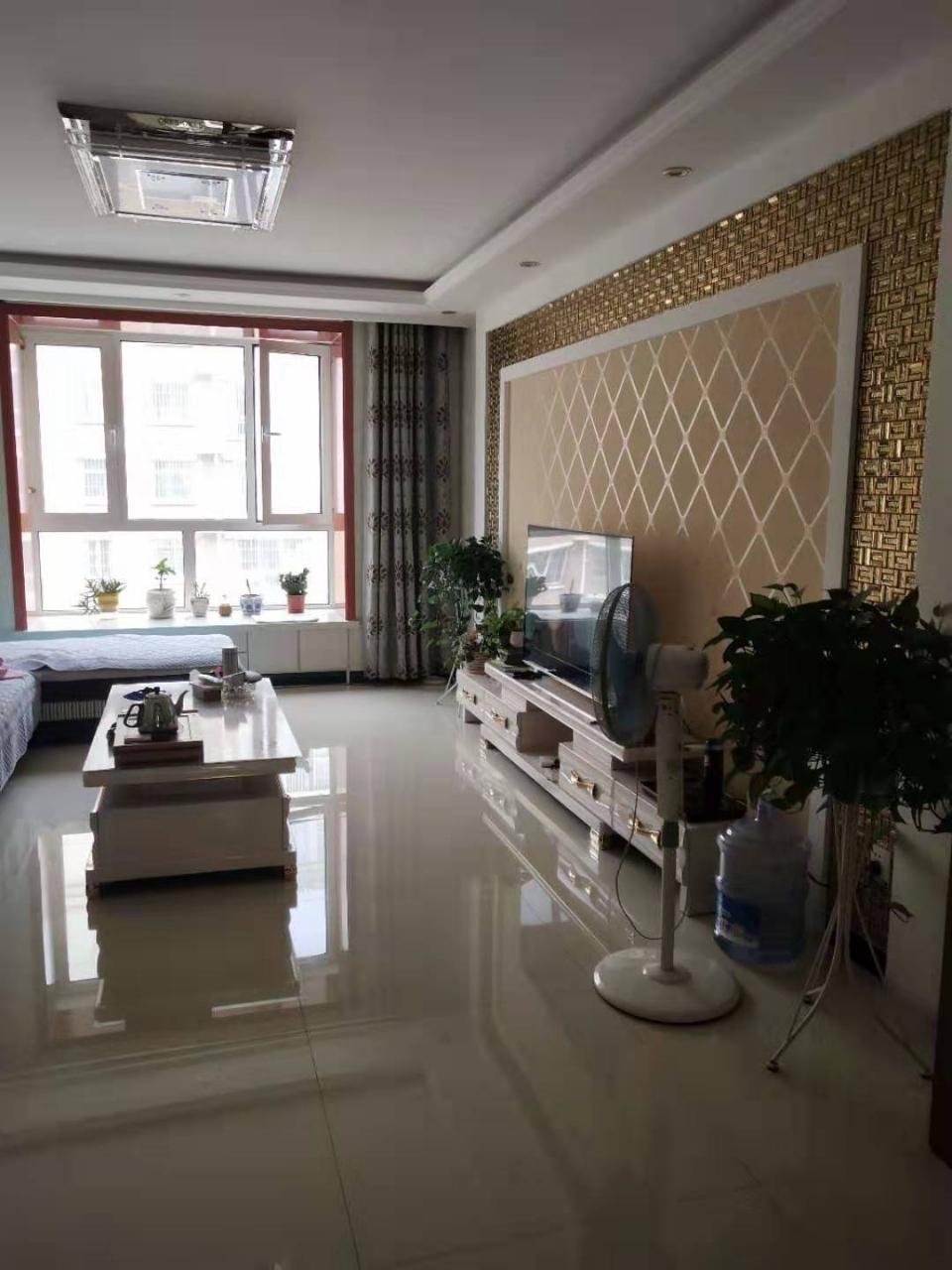 亿鑫唐朝,好楼层精装修两居室仅售70万