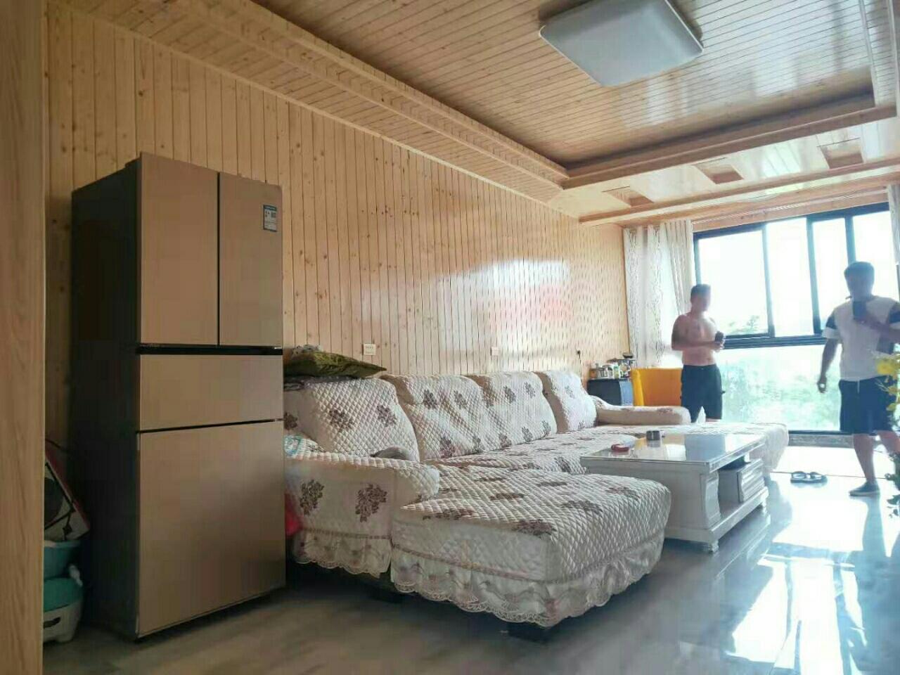 温泉小区安置房3室1厅1卫42.8万元