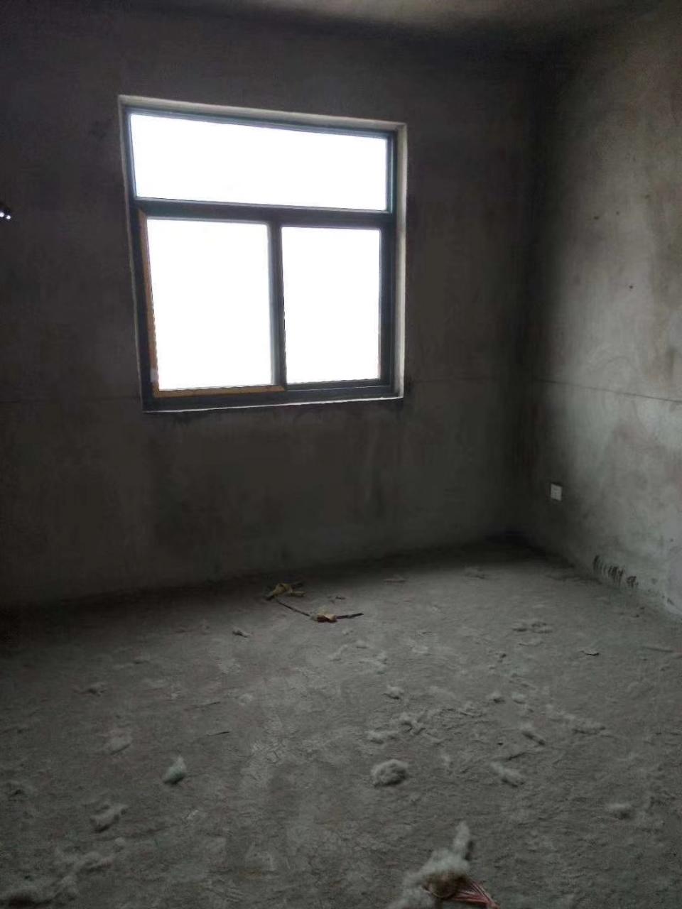 一江宏城3室2厅1卫68万元