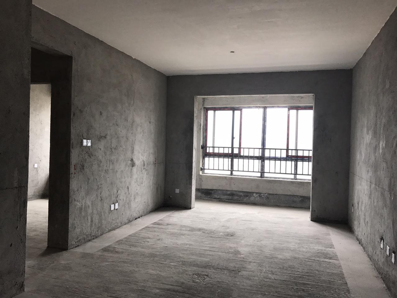 中央府邸清水房3室2厅1卫52万急售