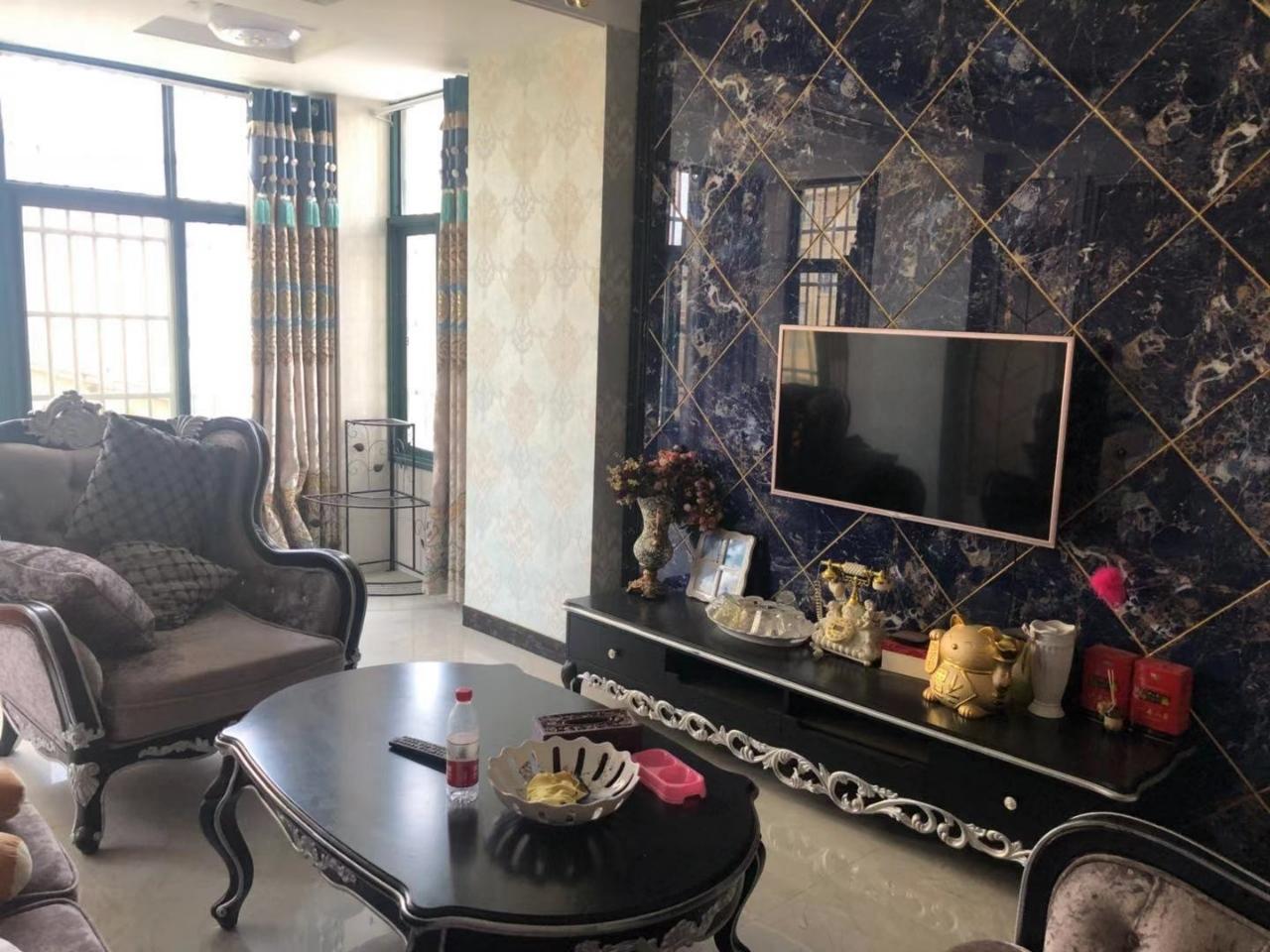 金竹苑3室2厅1卫70万元