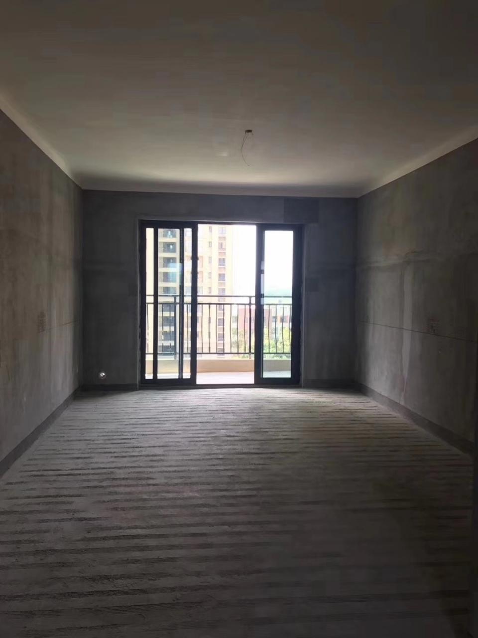 国维·中央府邸3室2厅1卫51万元
