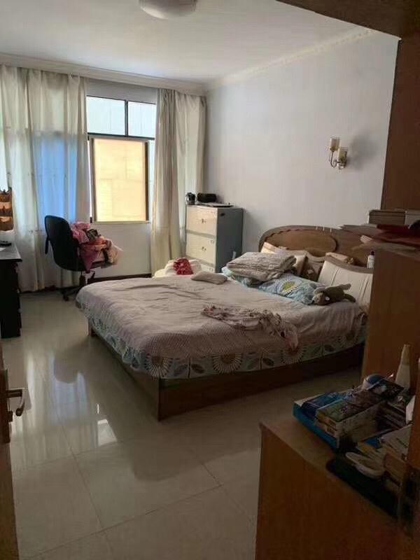 南海城附近学区房4室56.8万元