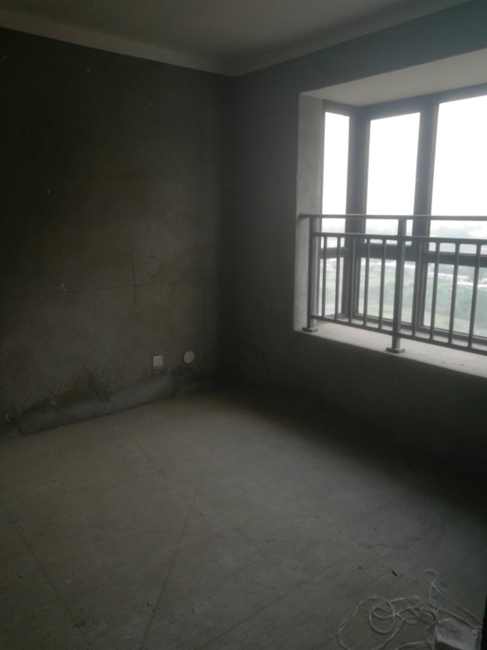 碧水蓝天小区(南区)3室2厅2卫93万元
