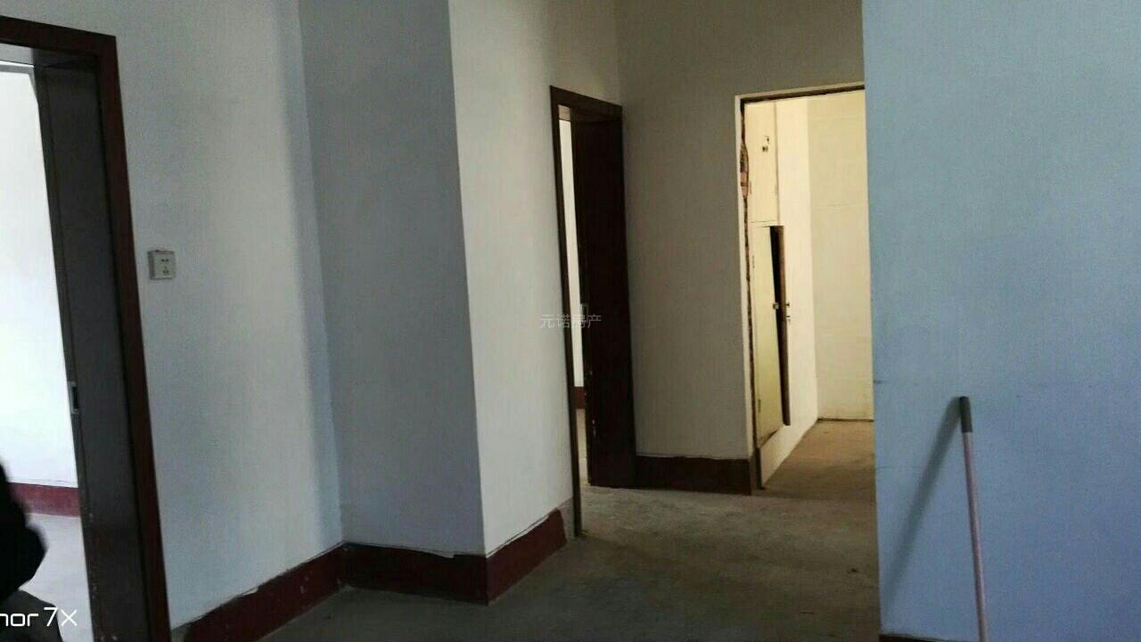 老汽车站家属院3室1厅1卫27万元
