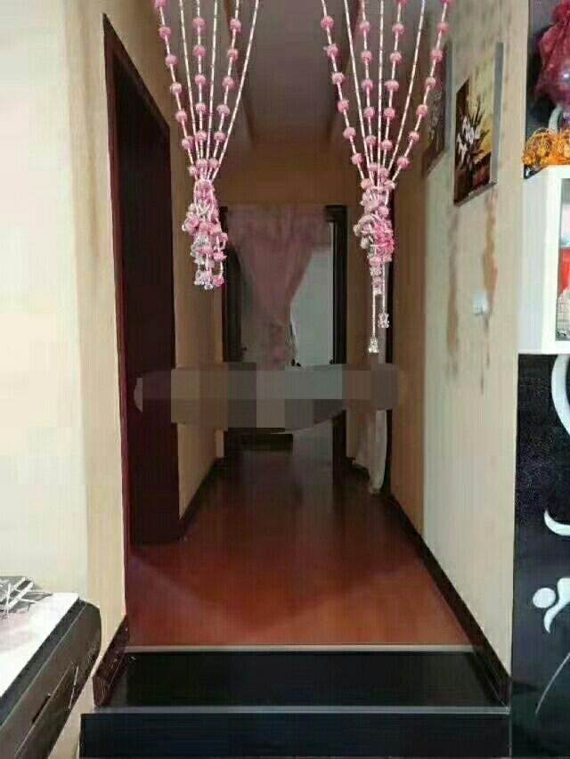 五转盘步梯4室2厅2卫88.8万元