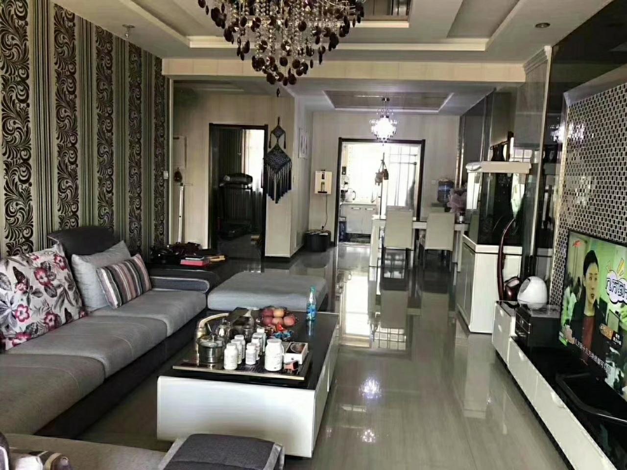 凤凰城4室2厅2卫100万元
