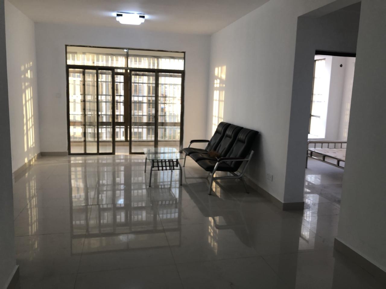 颐民小区首次出租3室2厅2卫1500元/月