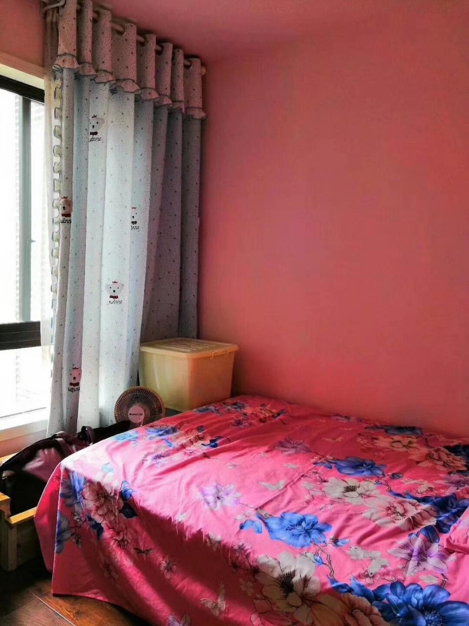 四季花城3室2厅2卫63.8万元