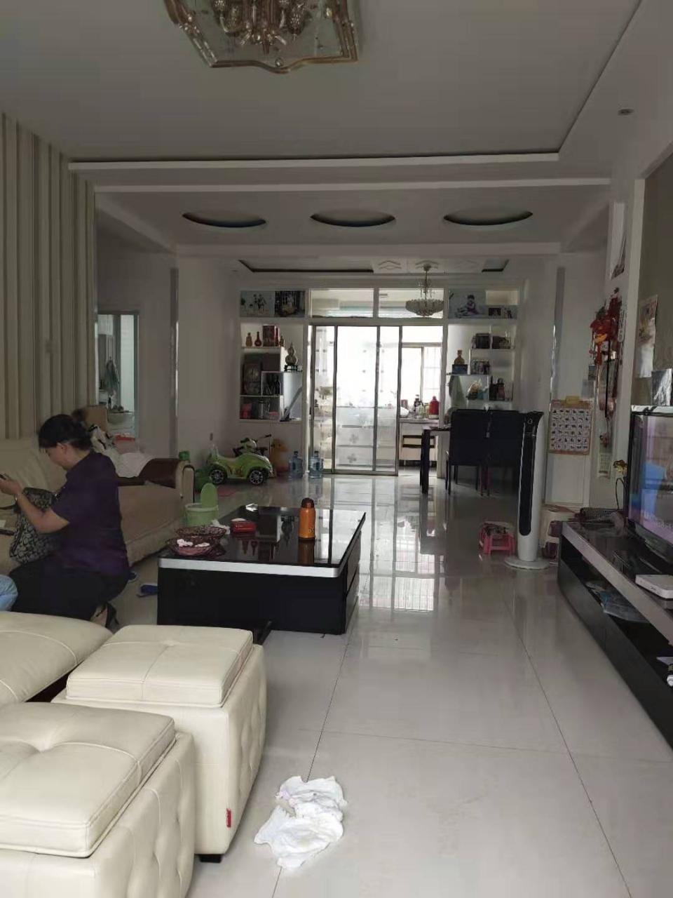 海岱益王府2楼133平3室精装带储双证115万按揭