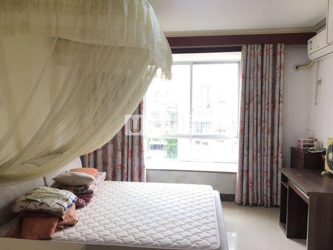 龙腾嘉园5室2厅2卫103.8万元