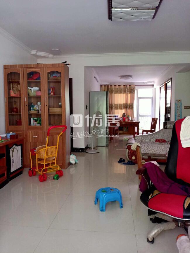 龙腾嘉园5室2厅2卫93.8万元