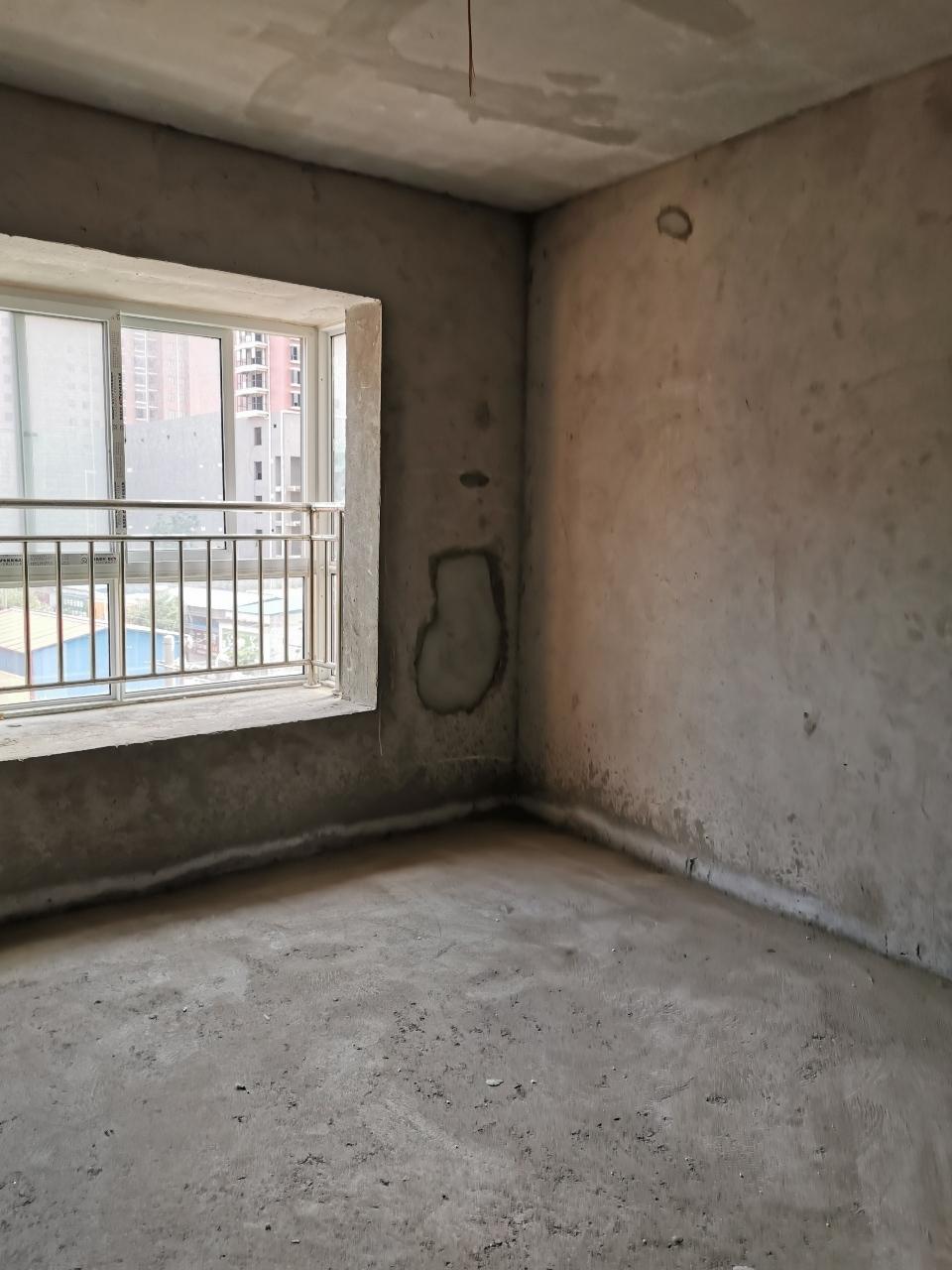 建发大厦3室2厅2卫56万元一手按揭南北通透