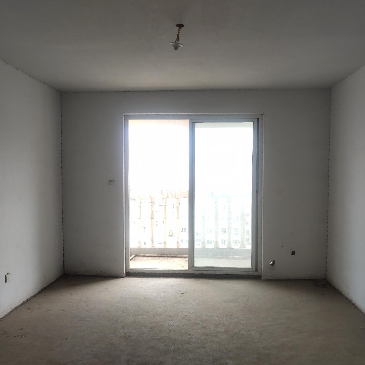 世纪新城3室2厅2卫69万元可以接受按揭
