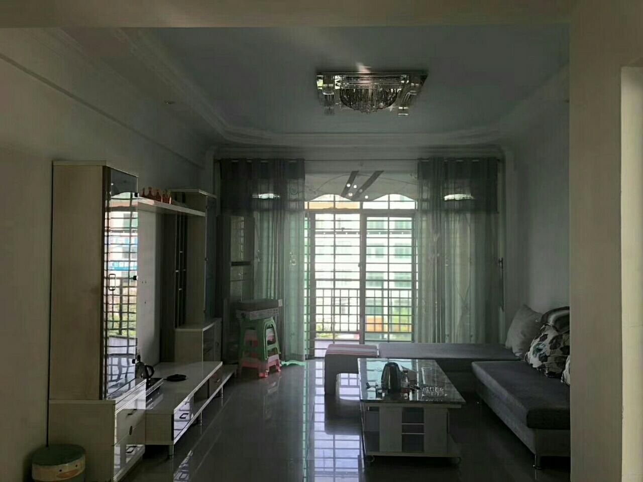 泰安苑3室2厅2卫73万元