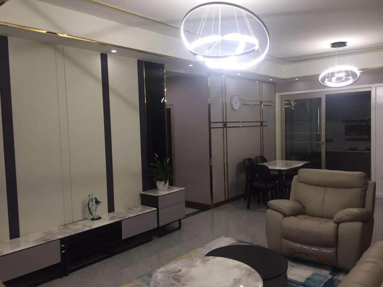 北湖·中央公园3室2厅2卫93万元