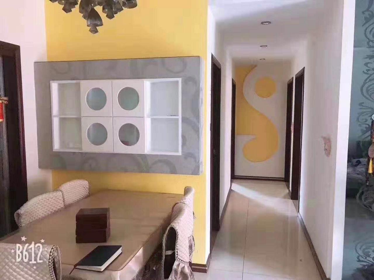玫瑰湾111平方3室2厅2卫喊价75.8万元