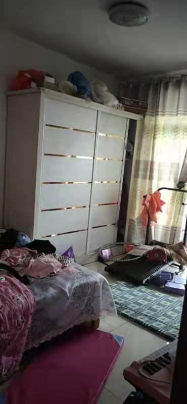 H弘盛現代城2室2廳1衛52萬元