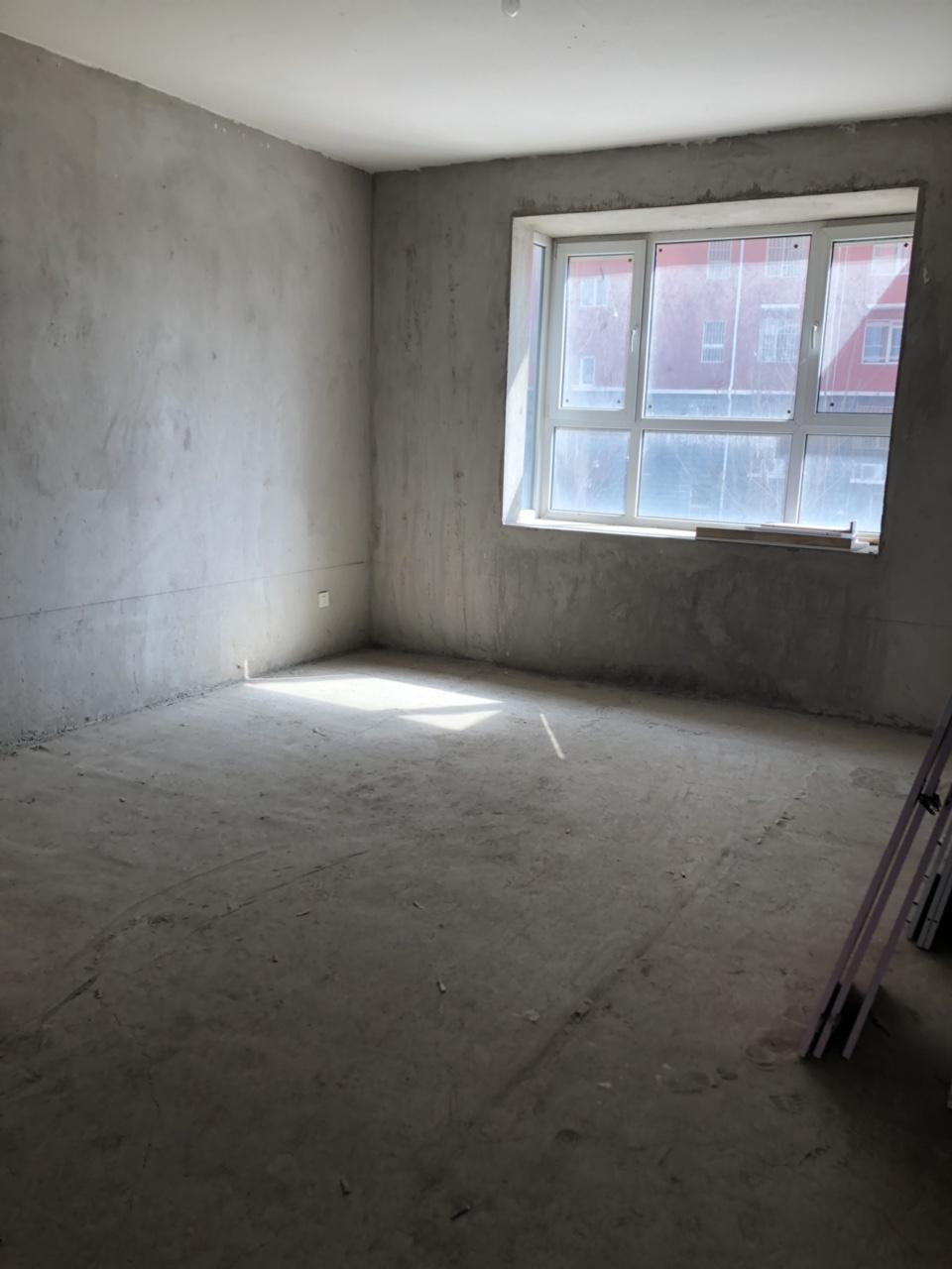 一小學區毛坯現房兩居,房本滿二,隨時過戶