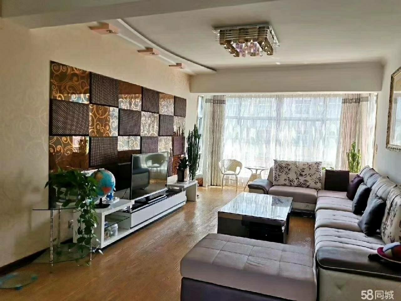 龙兴源小区128平米5楼精3室2厅2卫75万元