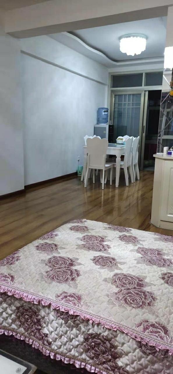锦丰园110平米2楼精装3室2厅1卫58万元