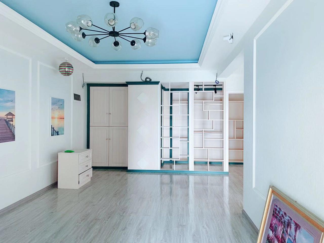 凱麗香江4室2廳2衛豪裝樓中樓108萬元