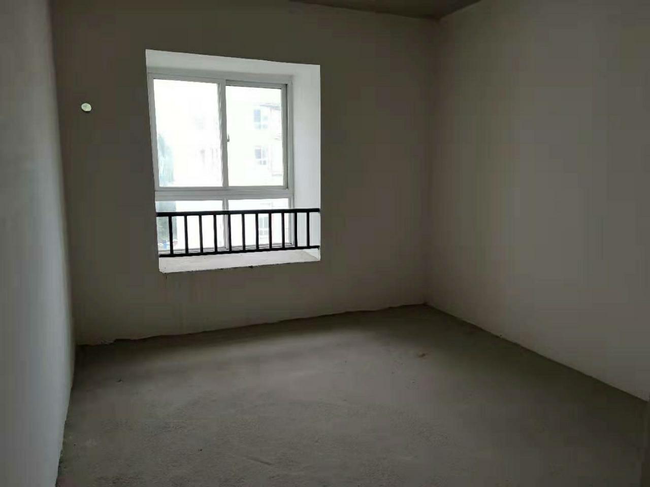 沸城时代4室2厅2卫41.8万元