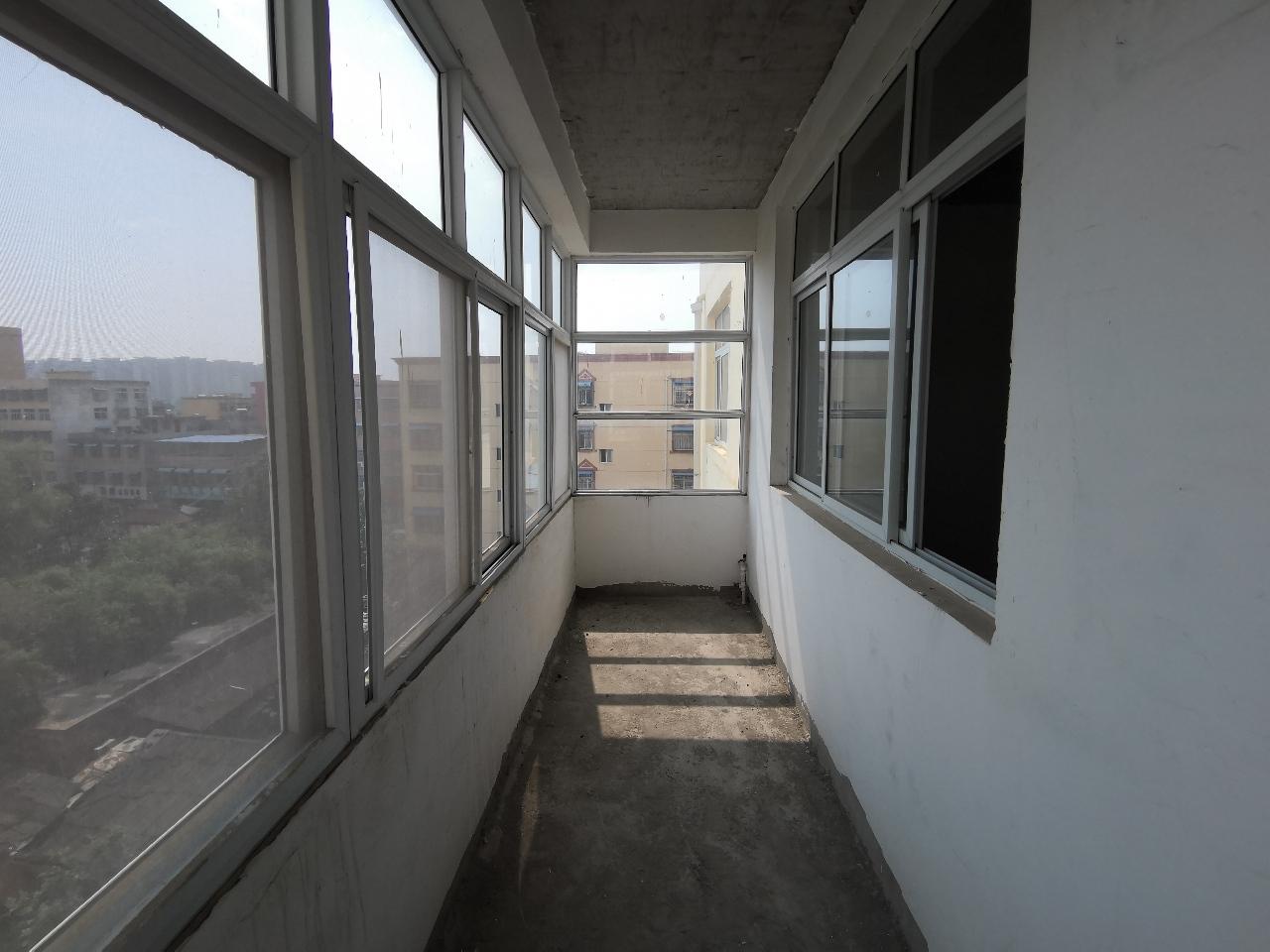錦匯廣場超級罕見的憨點房室2廳2衛25.5萬元